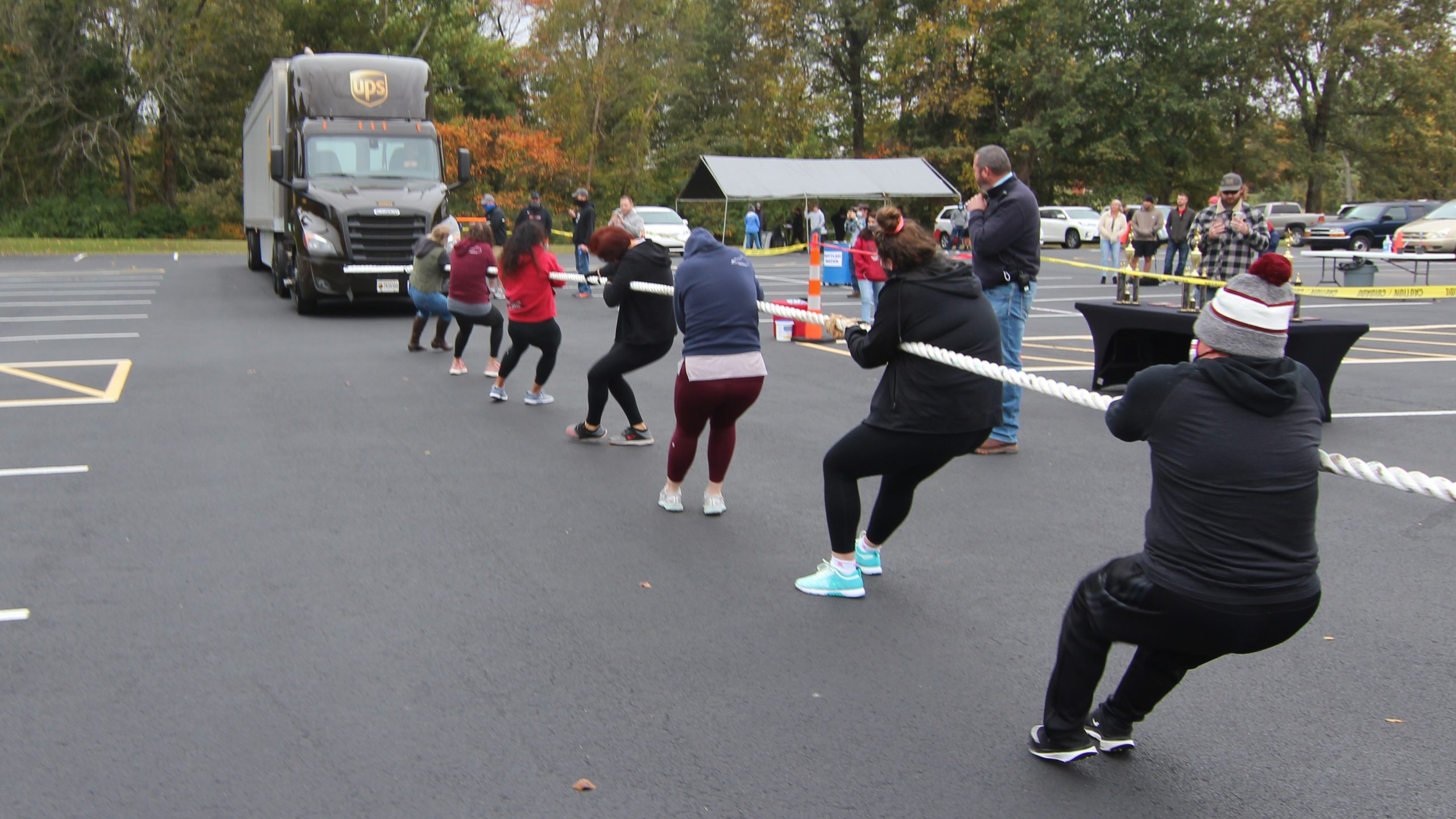 People pulling a UPS truck at the Paducah Big Brown Truck Pull